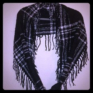 Accessories - NWOT Infinity Flannel Scarf